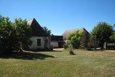 FERMETTE PIERRE S/2800m²  comprenant 2 Gites + DEPENDANCES 315000 Montignac (24290)
