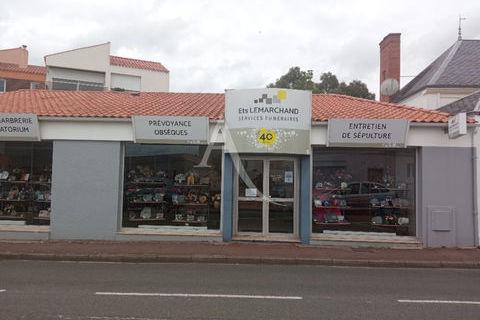 Local commercial Challans 165 m2 1400 85300 Challans