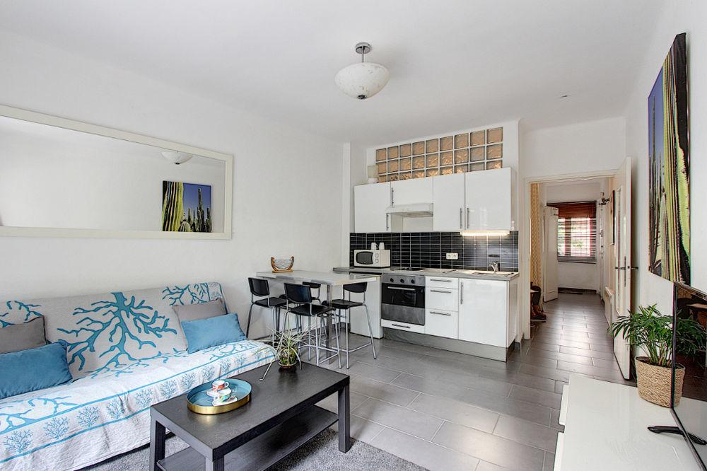 Vente Appartement Juan Les Pins Grand Studio cabine 33 m² - Terrasse sans vis à vis Juan les pins