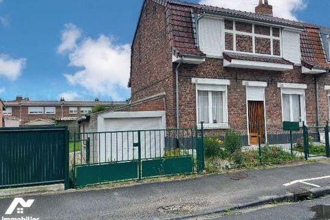 Maison à vendre à HAZEBROUCK  dans le Nord (59).  Dans un quartier calme situé au sud de la v... 160800 Hazebrouck (59190)