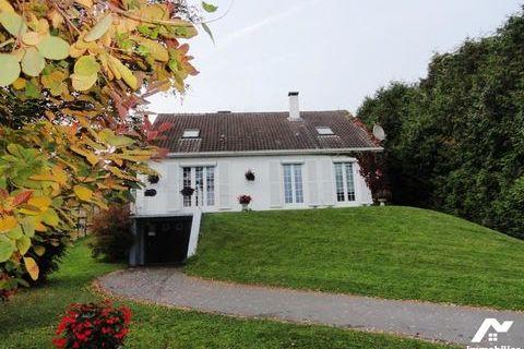 A 10 minutes de Château-Thierry, pavillon sur s/s de 1974 avec 5 chambres, bureau, séjour. Terrain 216000 Gland (02400)