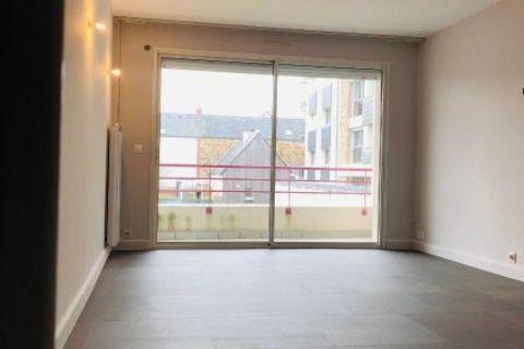 Perros-Guirec, Centre-ville, Appartement de type 3 situé au 1 étage avec ascenseur, comprenant ... 650 Perros-Guirec (22700)