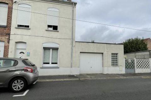 Sur BETHUNE Maison de 103 m² sur 477 m² de terrain avec 3 chambres et garages 750 Béthune (62400)