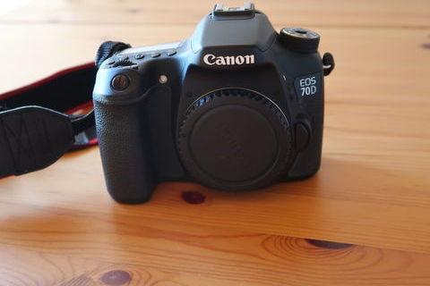 reflex Canon EOS 70 D et divers accessoires. 550 Sauzé-Vaussais (79190)