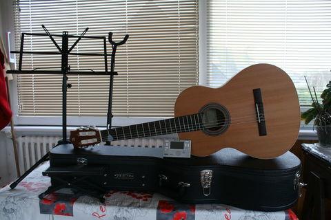 Guitare  200 Camaret-sur-Mer (29570)