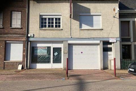 DUCLAIR immeuble à usage de commerce avec appartement et grand garage 196000 Duclair (76480)