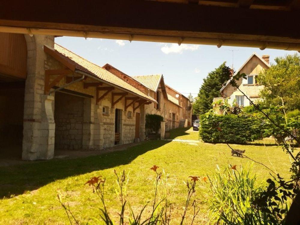Vente Maison Véritable corps de ferme 1 habitation 2 belles dépendances de 500 m2 vaste terrain de 4500 m2 Compiegne