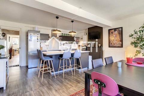 Appartement T4 à Aurillac 142000 Aurillac (15000)