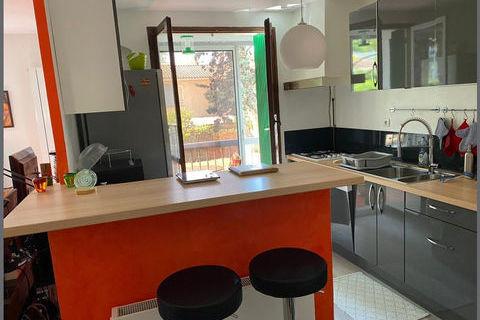 Appartement T3 prés du parc des Bruyères et des Collines 170000 Marseille 10
