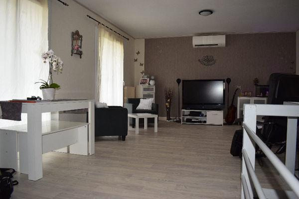 Annonce vente maison gennetines 03400 107 m 162 500 for Vente maison avec atelier