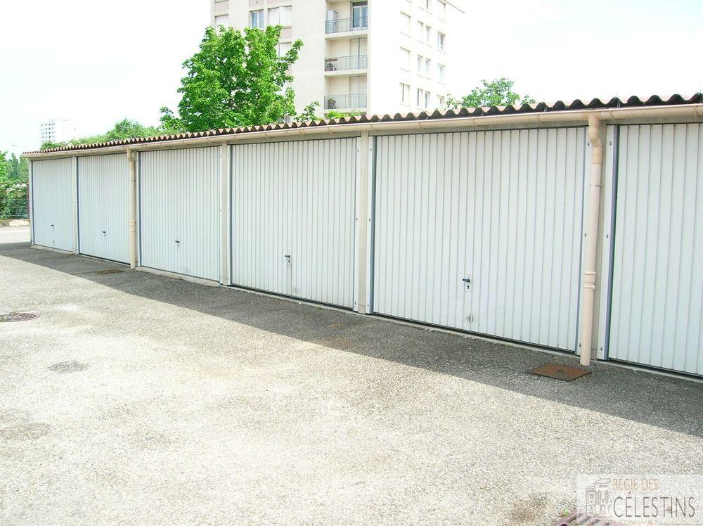 location Parking / Garage - 1 pièce(s) - 12 m² Vénissieux (69200)
