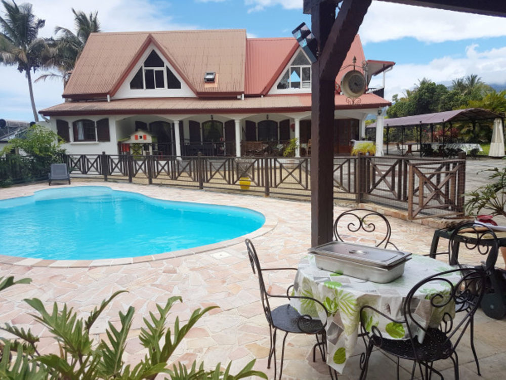 Exceptionnelle villa avec piscine Piscine privée - Plage < 5 km - Vue mer - Télévision - Terrasse . . . 1745 € / Semaine DOM-TOM, Saint-Benoît (97470)