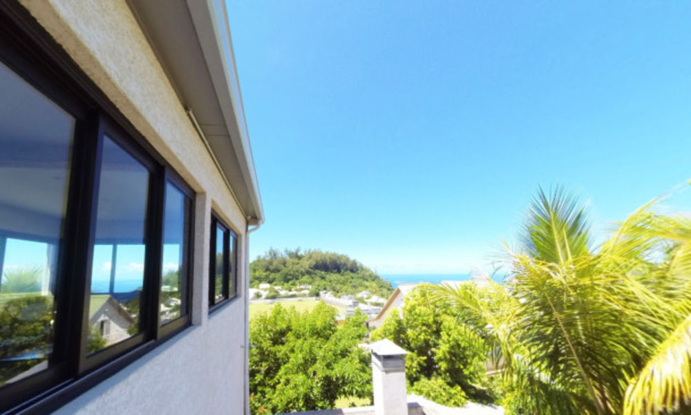 Appartement avec vue sur la mer Plage < 3 km - Vue mer - Télévision - Balcon - Vue montagne . . . 436 € / Semaine DOM-TOM, Petite-Île (97429)