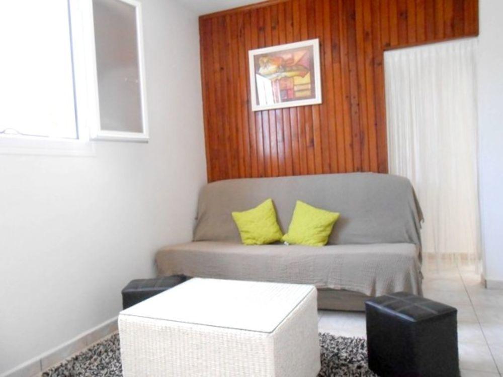 Superbe appartement avec jardin place de parking en extérieur - Lave linge - Accès Internet - Jardin clos - Lit bébé . . . 389 € / Semaine DOM-TOM, Saint-Benoît (97470)