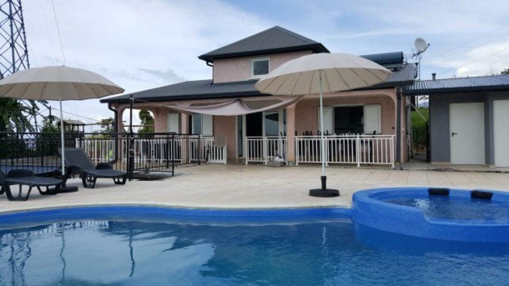 Exceptionnelle villa avec piscine Piscine privée - Plage < 5 km - Vue mer - Télévision - Terrasse . . . 1571 € / Semaine DOM-TOM, Saint-Benoît (97470)