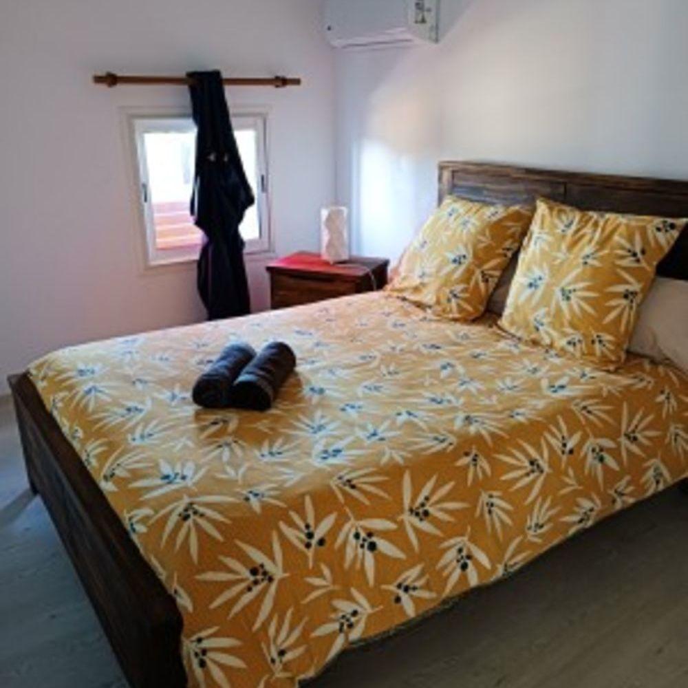 Maison avec vue sur la mer Vue mer - Télévision - Terrasse - place de parking en extérieur - Lave vaisselle . . . 279 € / Semaine DOM-TOM, Saint-André (97440)