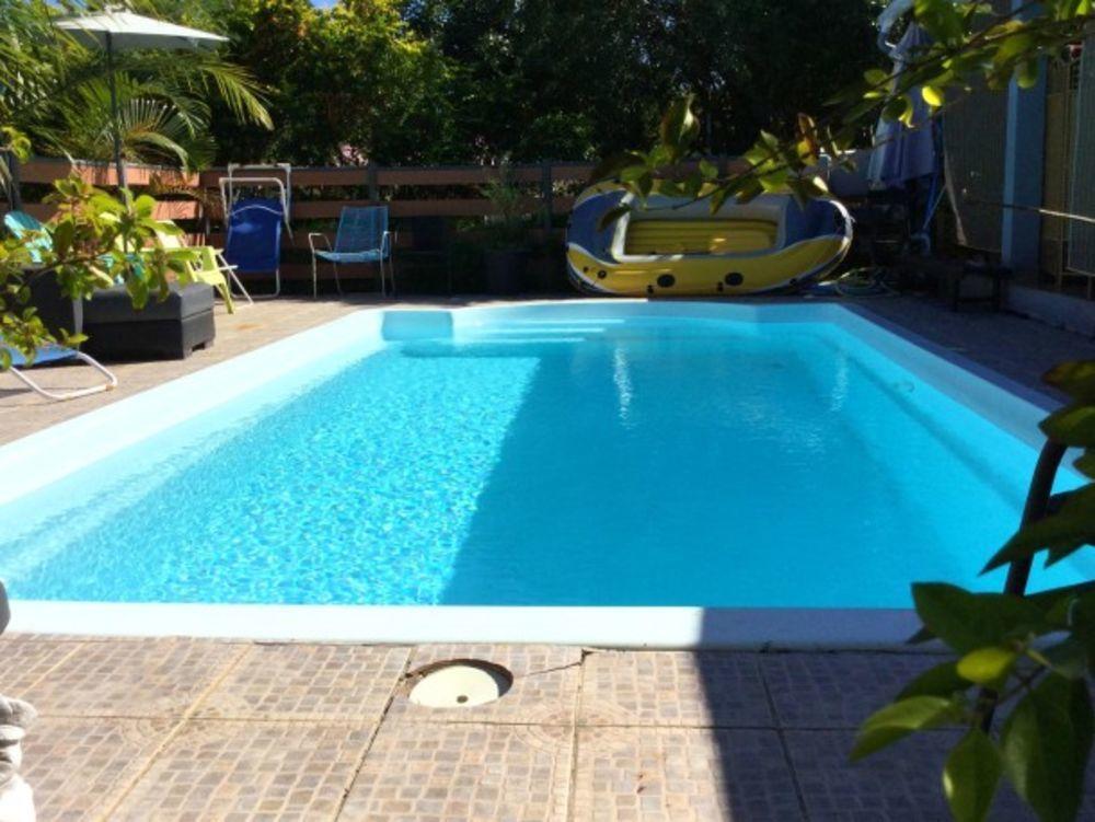 Exceptionnelle villa avec piscine Piscine privée - Télévision - Terrasse - Vue montagne - place de parking en extérieur . . . 216 € / Semaine DOM-TOM, Le Tampon (97430)