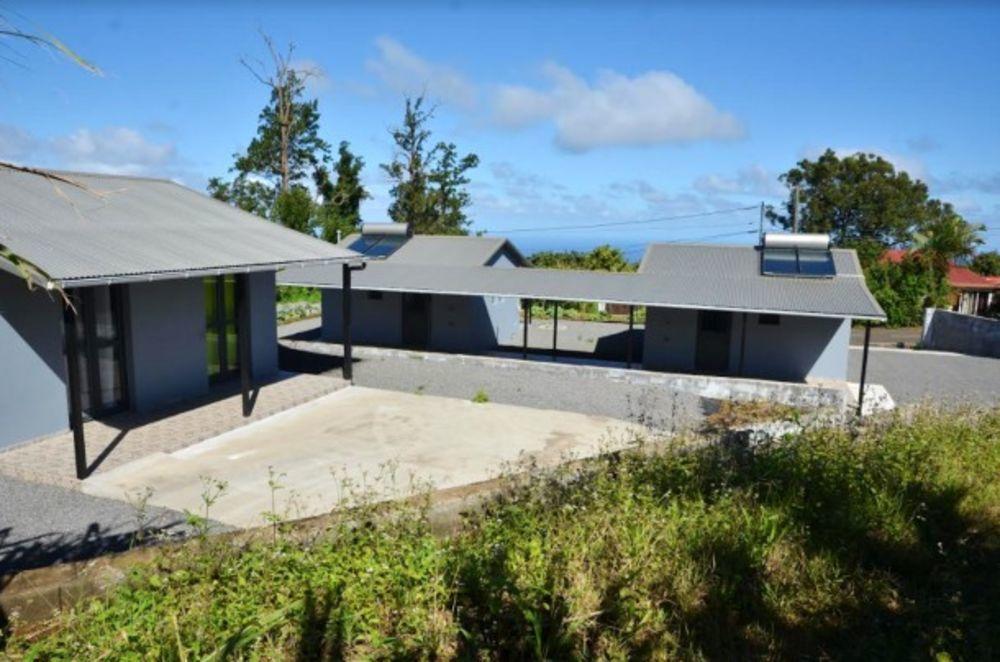Exceptionnelle maison avec jardin Télévision - Terrasse - Vue montagne - place de parking en extérieur - Accès Internet . . . 204 € / Semaine DOM-TOM, Saint-Joseph (97480)