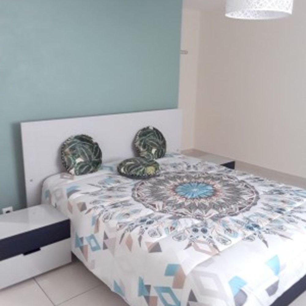 Appartement avec vue sur la mer Vue mer - Terrasse - place de parking en extérieur - Lave vaisselle - Lave linge . . . 136 € / Semaine DOM-TOM, Le Tampon (97430)