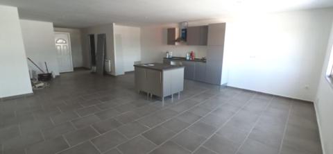 Local commercial 105 m2 158000 38230 Tignieu jameyzieu