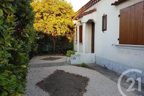 Location Maison 905 Arles (13200)
