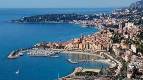 : Unique…Belle Brasserie en bord de plage, 160 places assises sur le secteur Nice-Menton (vente des parts soci 898800 06190 Roquebrune cap martin