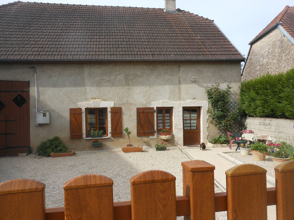 Annonce vente maison pesmes 70140 140 m 146 000 for Garage ad pesmes