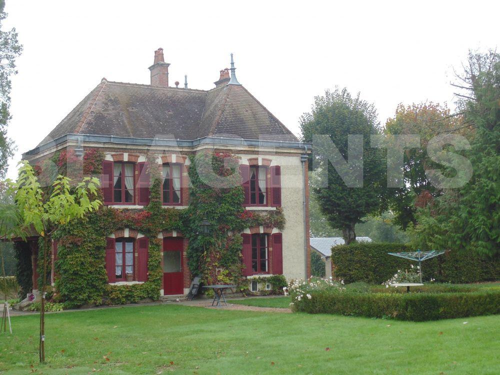 Vente Maison maison/villa 8 pièce(s) 190 m2 Corbigny