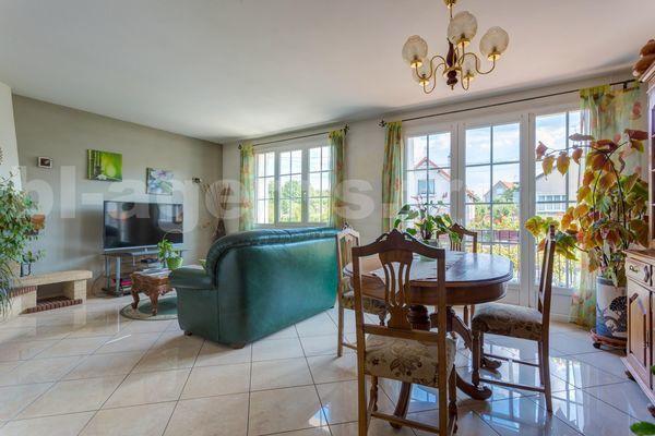 Annonce vente maison noisy le grand 93160 175 m 435 for Garage noisy le grand