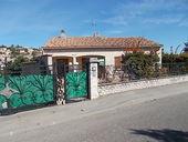 Vente Maison A CARNOUX, à 3kms de CASSIS, maison provençale avec piscine, jardin et garage! A voir rapidement!  à Carnoux-en-provence
