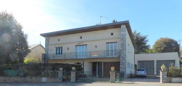 Vente Maison Maison de rapport, deux appartements, grand garage  à Montbazens