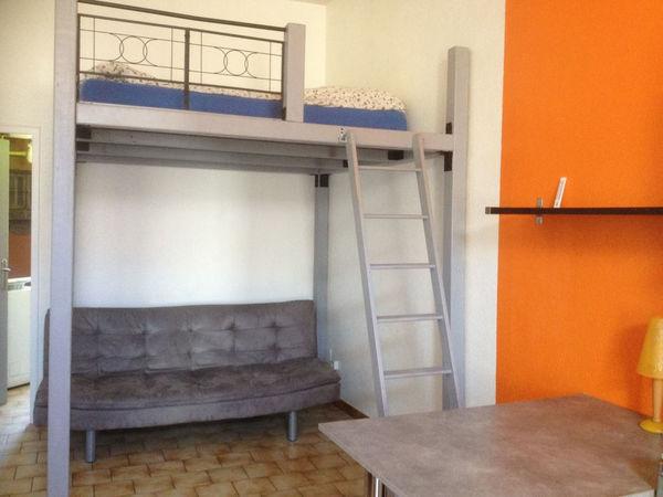 annonce location terrain n mes 30000 25 m 400 992736810962. Black Bedroom Furniture Sets. Home Design Ideas