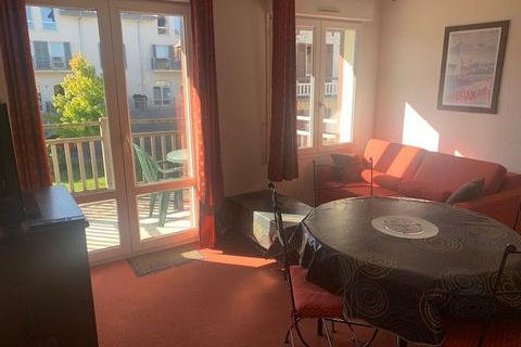 Evian -secteur Golf-dans une résidence avec piscine, joli Type 2 meublé de 35 m2 avec terrasse au calme 652 Évian-les-Bains (74500)