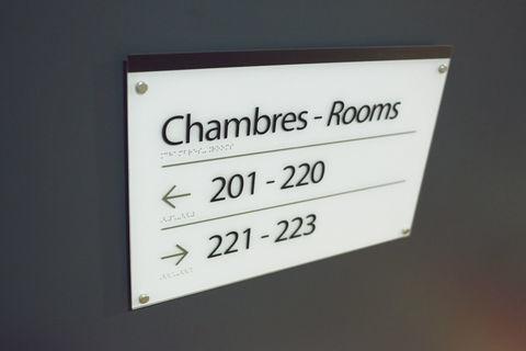 HOTEL BUREAU 30 No 438400 18000 Bourges