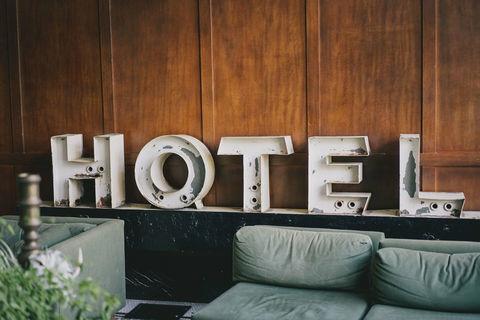 HOTEL *** 15 numéros RESTAURANT (LOGIS HOTEL) 702000 49700 Doue la fontaine