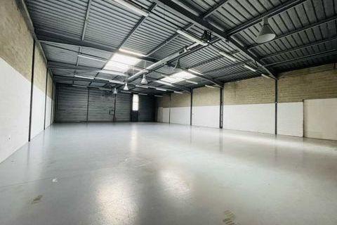 Locaux d'activité - A VENDRE - 550 m² non divisibles 0 77183 Croissy beaubourg