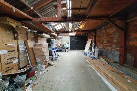 Entrepôts - A LOUER - 230 m² non divisibles 2249 93190 Livry gargan
