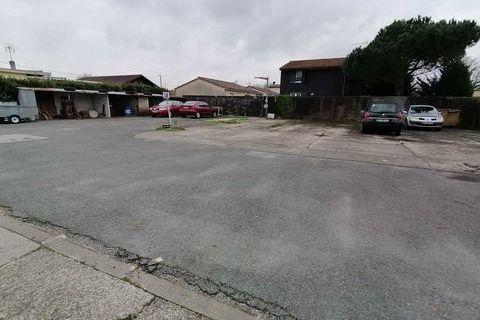 Locaux commerciaux - A VENDRE - 815 m² non divisibles 949997 33610 Cestas