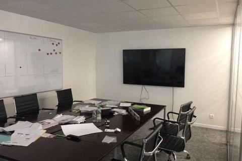 Surface de bureaux avec stockage à la vente - 328 m² non divisibles 500000 91140 Villebon sur yvette