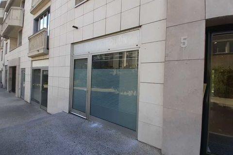 Locaux commerciaux - A VENDRE - 52.26 m² non divisibles 465000 94160 Saint mande