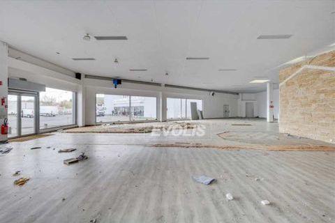 Locaux commerciaux - A LOUER - 773 m² non divisibles 8372 91620 La ville du bois