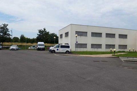 Site clos et sécurisé - 674 m² divisibles à partir de 65 m² 6181 91350 Grigny