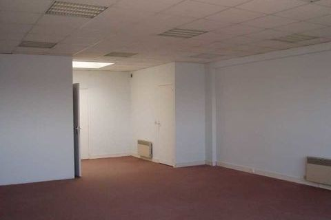 LOYERS ATTRACTIFS - 741 m² divisibles à partir de 61 m² 8581 93360 Neuilly plaisance