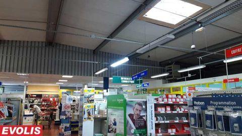 Locaux commerciaux - A LOUER - 1000 m² non divisibles 8330 33270 Floirac
