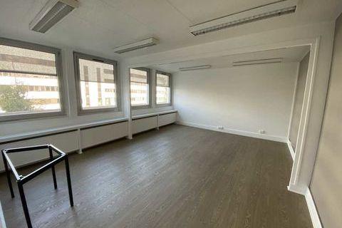 Bureaux - A LOUER - 515 m² divisibles à partir de 39 m² 8585 78150 Le chesnay