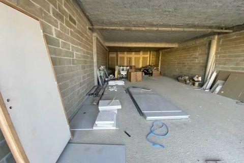 Locaux commerciaux - A LOUER - 115 m² non divisibles 1245 33370 Pompignac