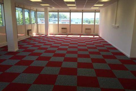 Bureaux - A LOUER - 86 m² non divisibles 1004 94000 Creteil