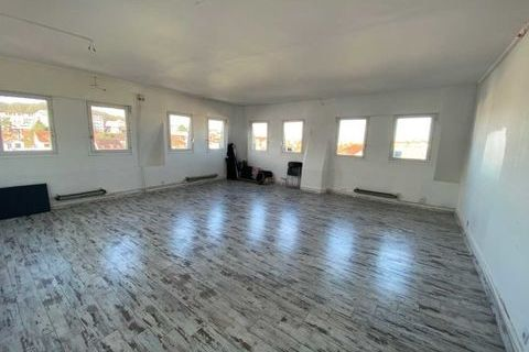 LOYER ATTRACTIF - 115 m² non divisibles 1150 78000 Versailles