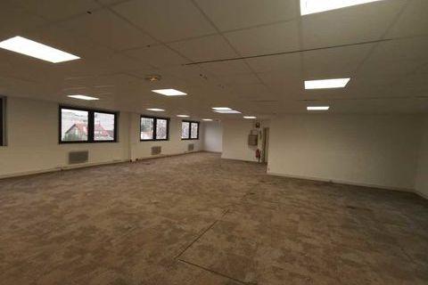 Bureaux - A LOUER - 300 m² non divisibles 3249 94120 Fontenay sous bois