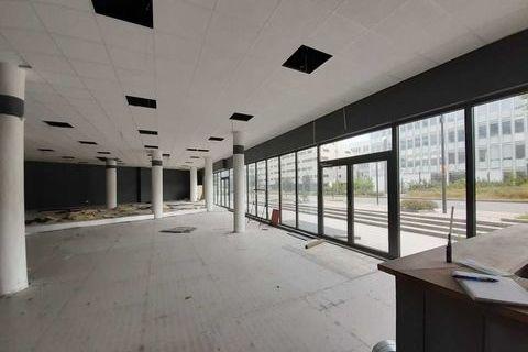 Locaux commerciaux - A LOUER - 868 m² non divisibles 17360 78140 Velizy villacoublay